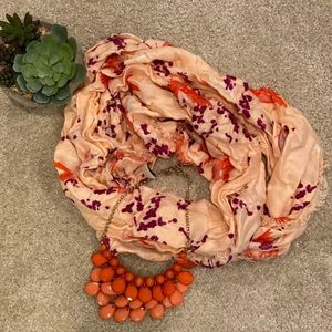 **Bundle!! Infinity scarf and necklace!!